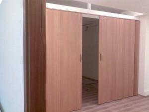 דלתות דמוי עץ